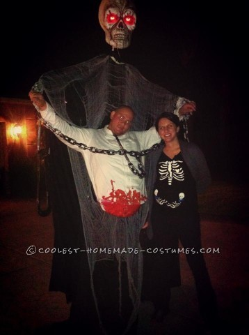 Giant Skeleton Victim Illusion Costume
