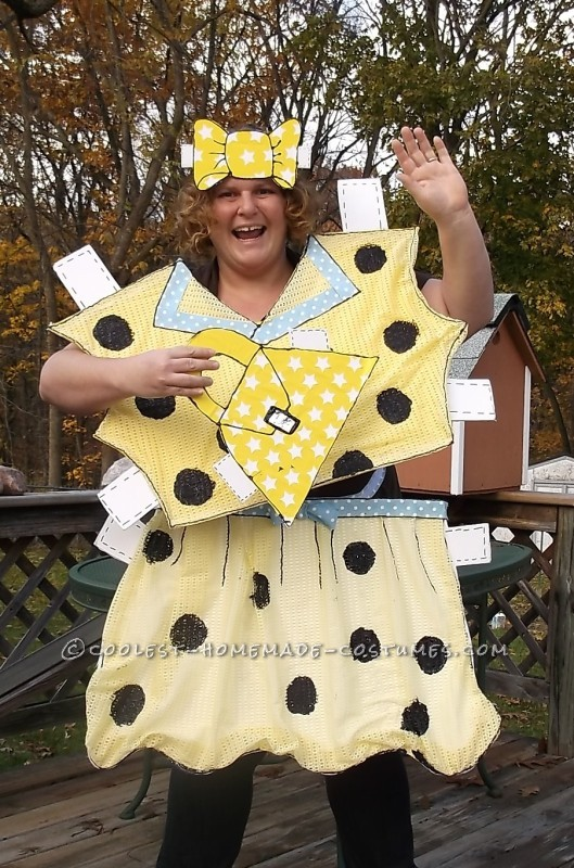 Head-Turning Paper Doll Halloween Costume