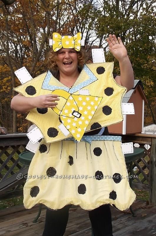 Head-Turning Paper Doll Halloween Costume