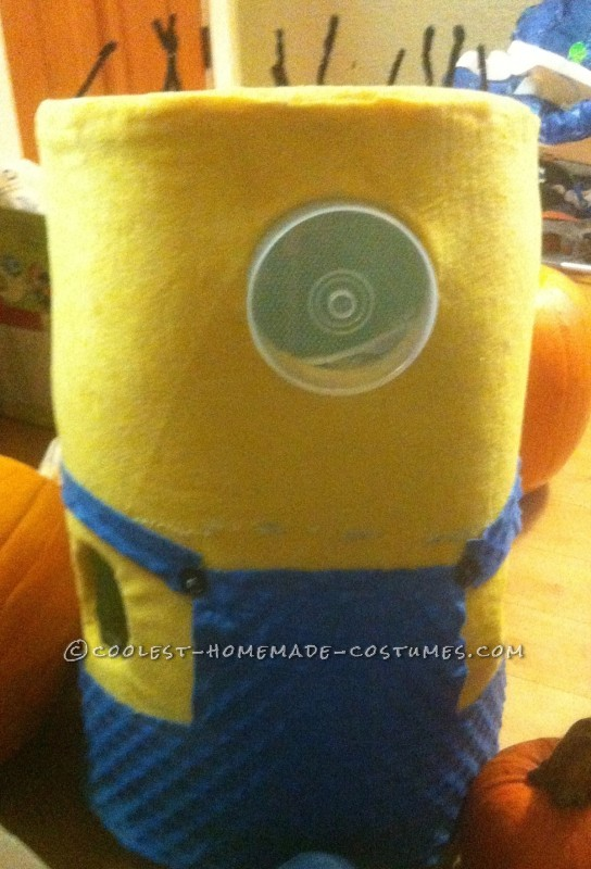 Head-Turning Minion Costume for a 5 Year Old Boy - 3