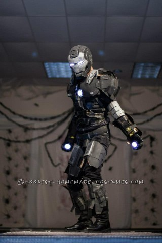 Awesome Iron Man War Machine Costume!