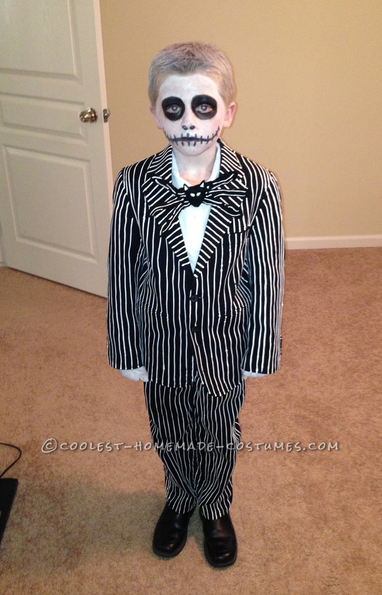 cool homemade jack skellington costume from nightmare before christmas