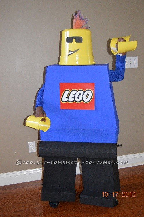 Not-So-Mini Lego Minifigure Homemade Halloween Costume