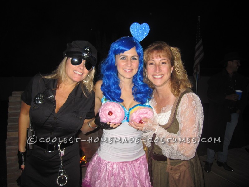 Katy Perry's Cupcakes Costume - 1
