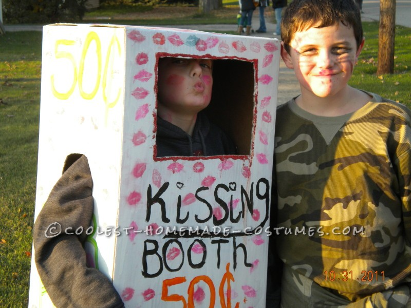 Last-Minute Cardboard Box Kissing Booth Costume - 2