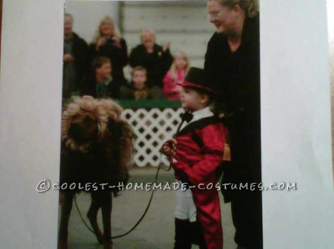 Cool Boy and Pet Dog Costume: Lion Tamer and Lion