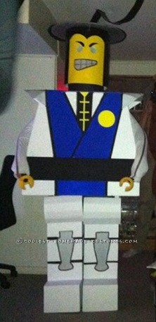 LEGO Minifig Raiden Costume from Mortal Kombat - 1