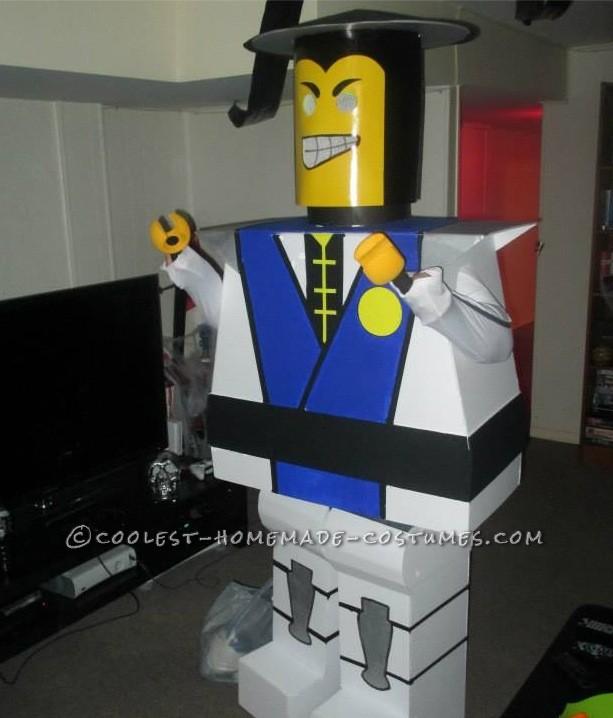 LEGO Minifig Raiden Costume from Mortal Kombat