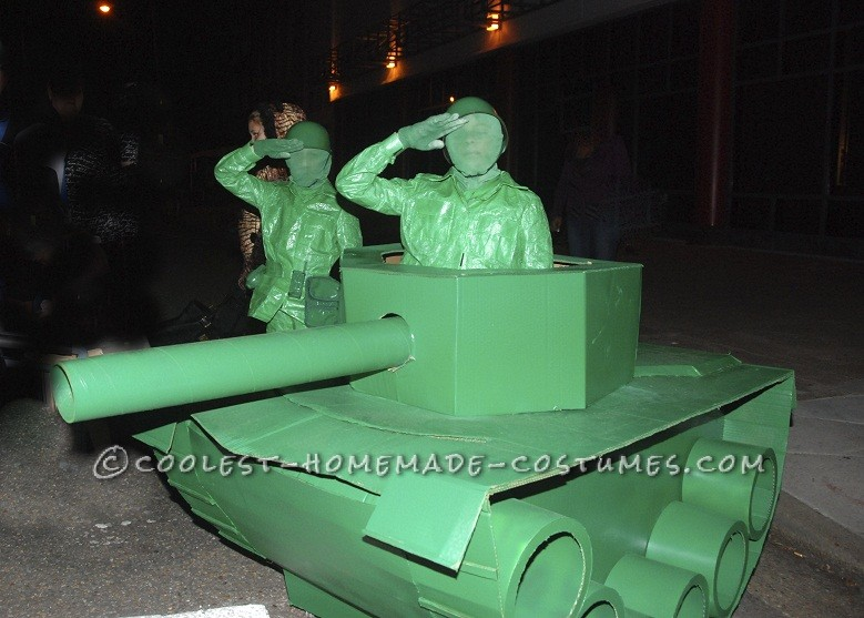 Life-Size Green Army Men and Tank Couple Halloween Costume