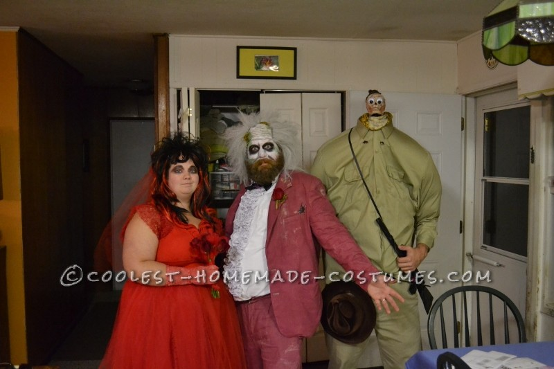 Awesome Beetlejuice, Lydia and Shrunken Head Group Costumes - 5