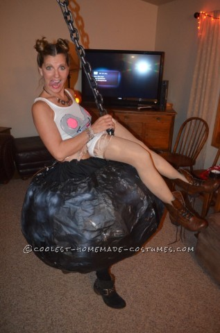 Funny Homemade Costume: Miley Cyrus on the Wrecking Ball