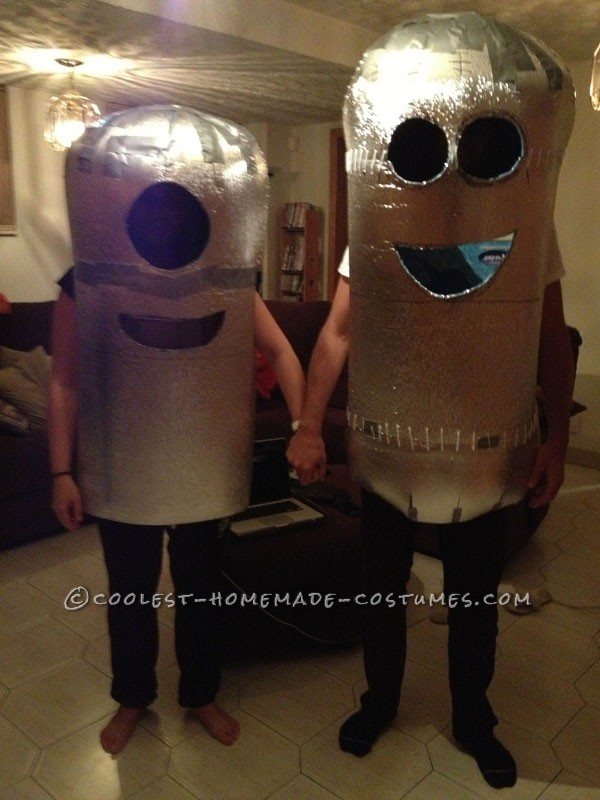 Coolest DIY Minions Despicable Me Couple Halloween Costume