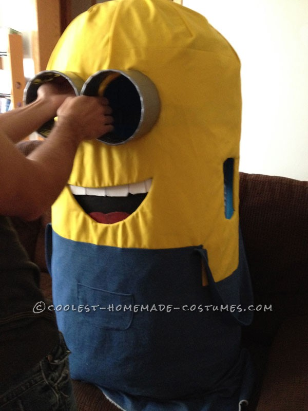 Coolest DIY Minions Despicable Me Couple Halloween Costume - 5