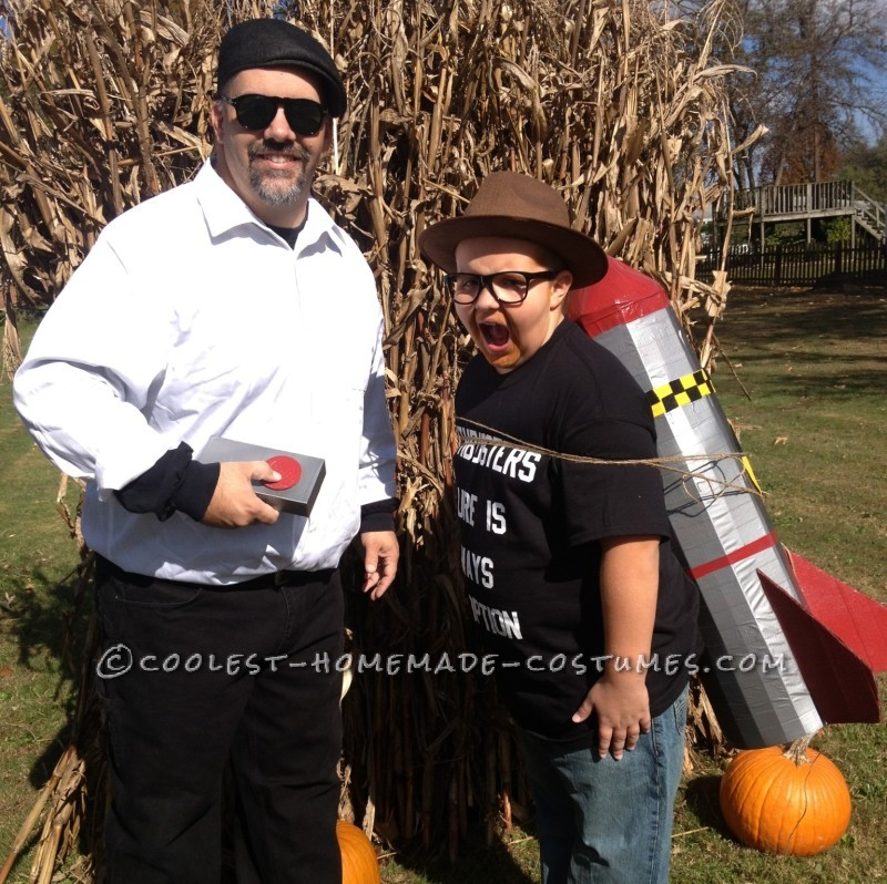 Cool Father and Son Mythbusters Couple Costume