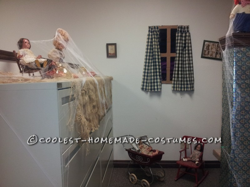 Creepy Doll Costumes in a Creepy Office Dollhouse - 4