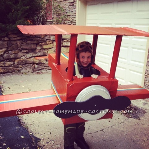 Cool Pilot and Airplane Cardboard Box Airplane Costume