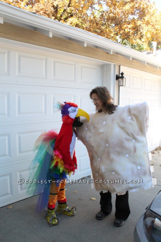Cool Mom and Daughter Couple Halloween Costume: Polly Wants A Cracker! - 4