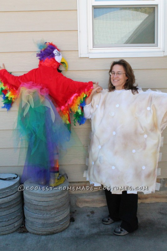 Cool Mom and Daughter Couple Halloween Costume: Polly Wants A Cracker! - 1