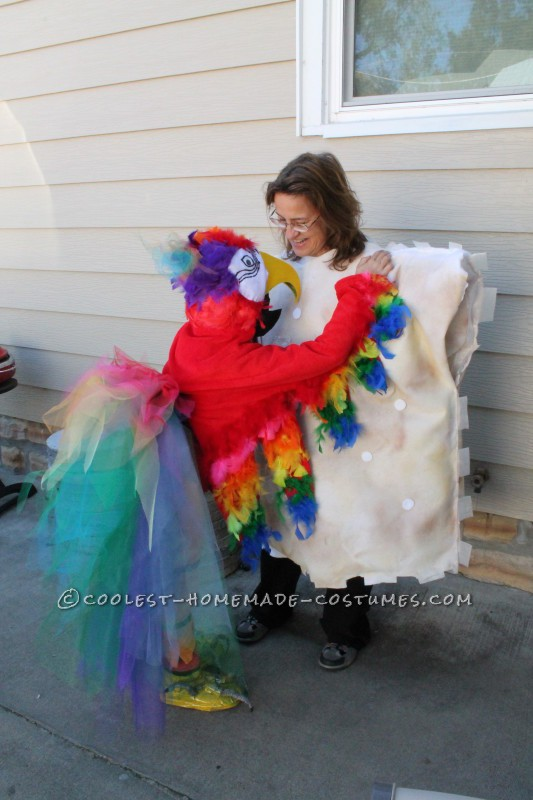 Cool Mom and Daughter Couple Halloween Costume: Polly Wants A Cracker! - 2