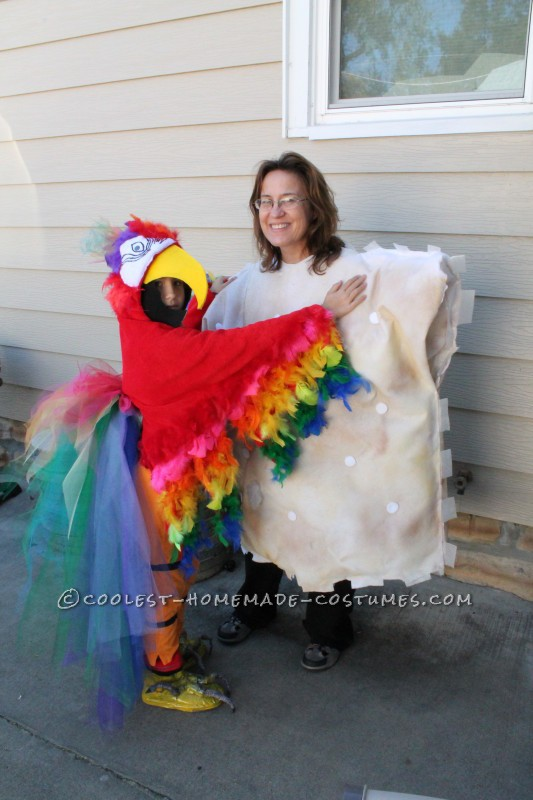 Cool Mom and Daughter Couple Halloween Costume: Polly Wants A Cracker! - 3