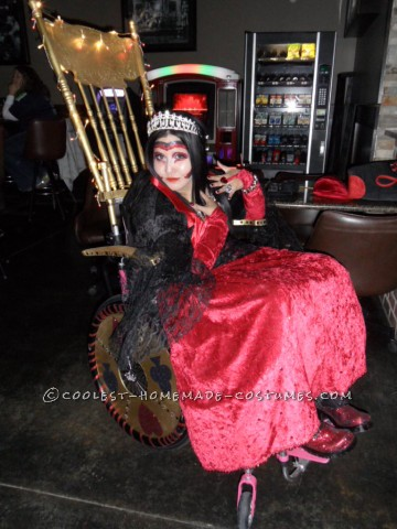 Awesome Wheelchair Costume: Queen of Hearts and her Golden Throne