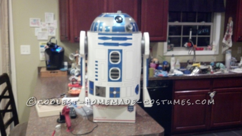Cool R2-D2 Costume for a Boy - 1