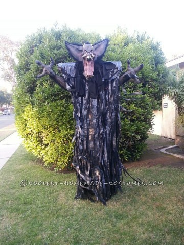 "10-Foot ""Screech"" Bat Halloween Costume on Stilts"