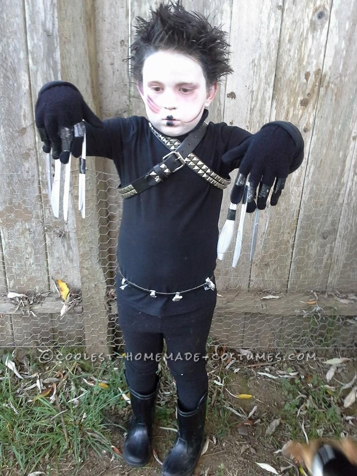 Simple Edward Scissorhand Costume for a Boy