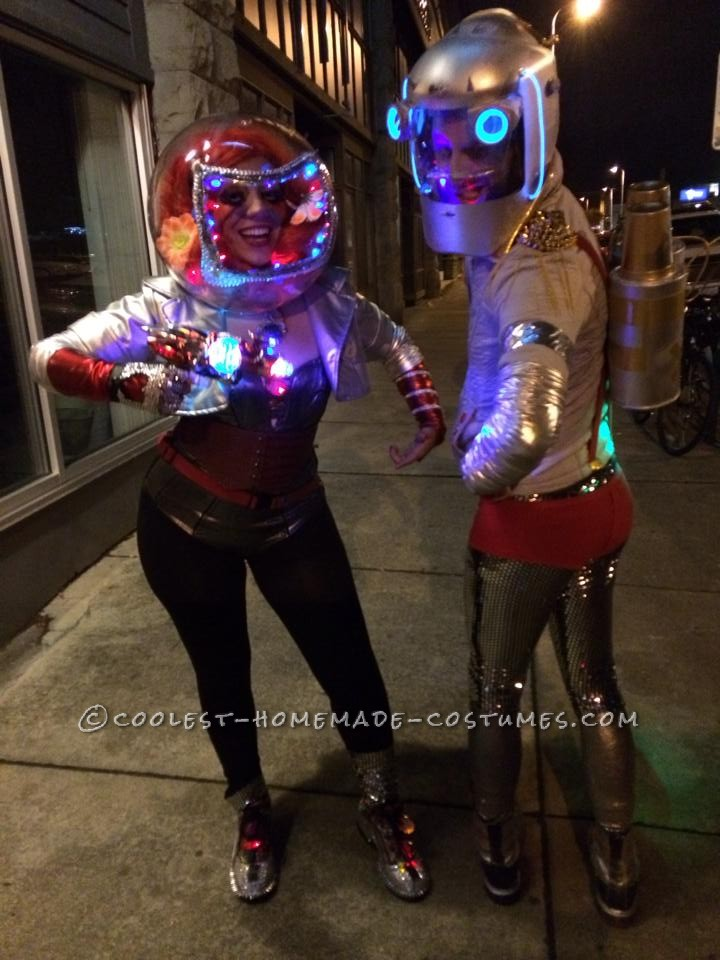 Fashionable Space Visitors Couple Costume