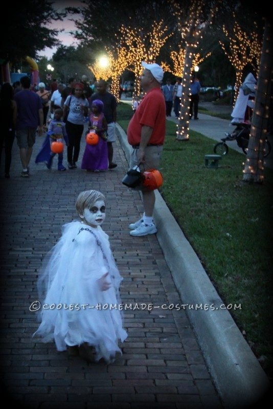 Spooky Ghost Halloween Costume for a Toddler - 4