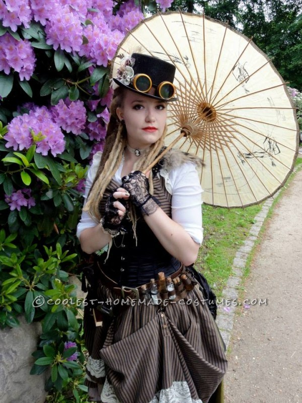 Cool Woman's Steampunk Costume: The Lady Captain of the Ark - 1