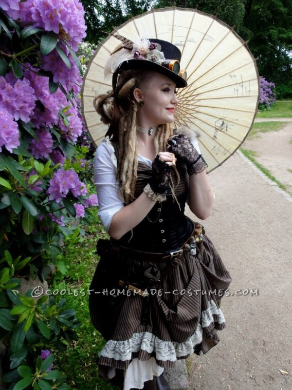 Cool Woman's Steampunk Costume: The Lady Captain of the Ark - 2