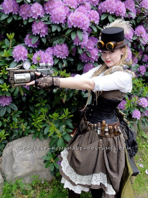 Cool Woman's Steampunk Costume: The Lady Captain of the Ark - 3