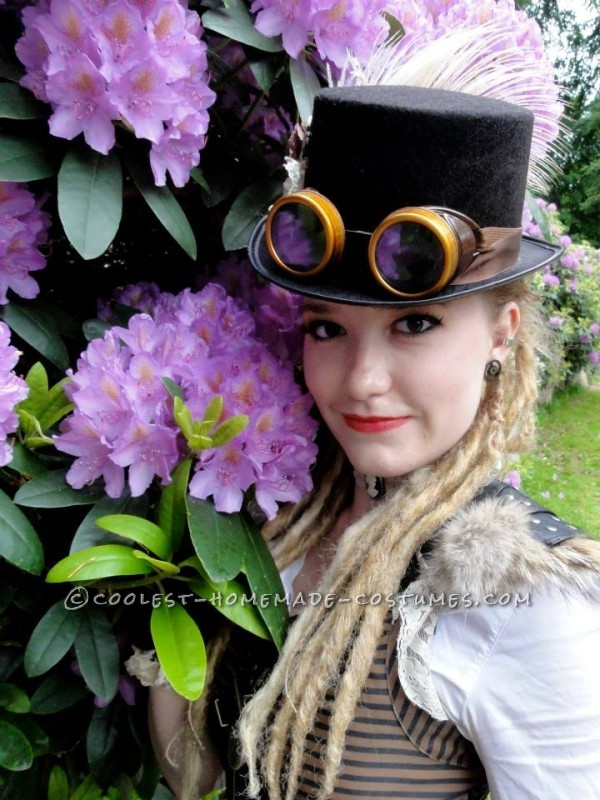 Cool Woman's Steampunk Costume: The Lady Captain of the Ark - 4
