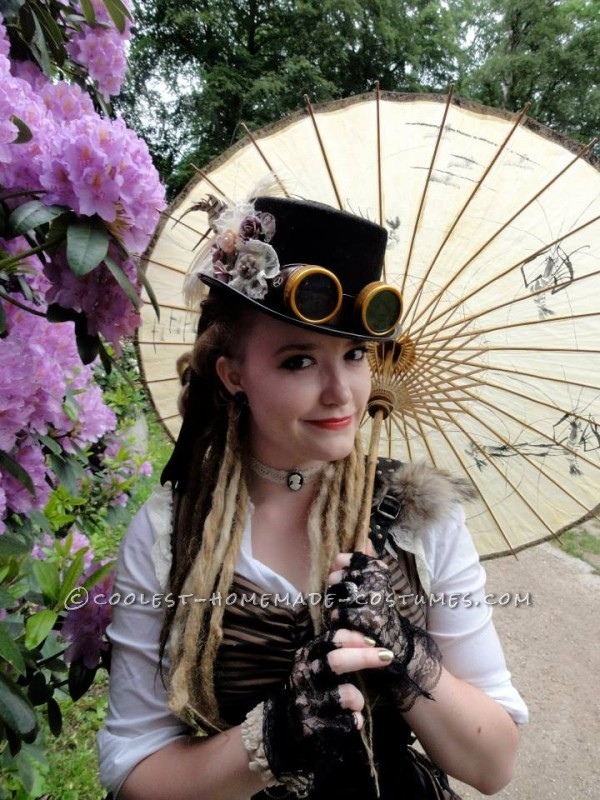 Cool Woman's Steampunk Costume: The Lady Captain of the Ark - 7