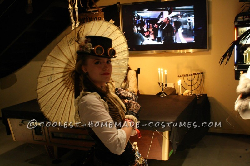Cool Woman's Steampunk Costume: The Lady Captain of the Ark - 8