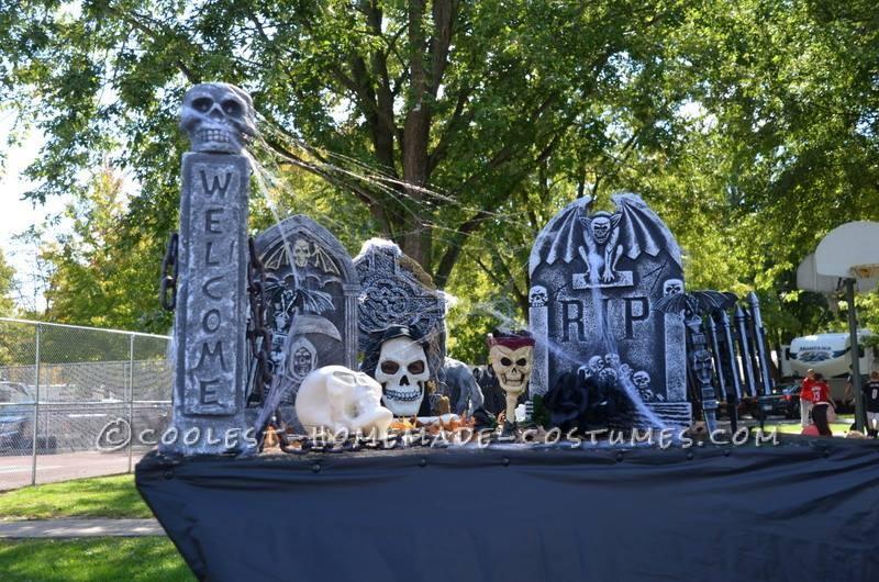 The Walking Cemetery Halloween Costume