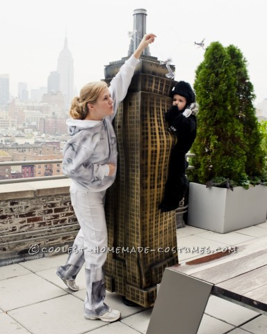 Amazing Mom, Dad and Toddler King Kong Costume