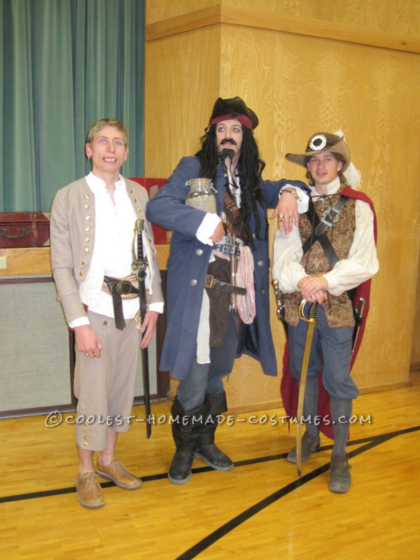 Cool Homemade Pirates of Carribean Group Costume: Will Turner and Ragetti