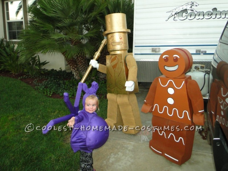 Lego Mr. Gold Minifigure, Lego Gingerbread Man Minifigure and Lego Spider costumes