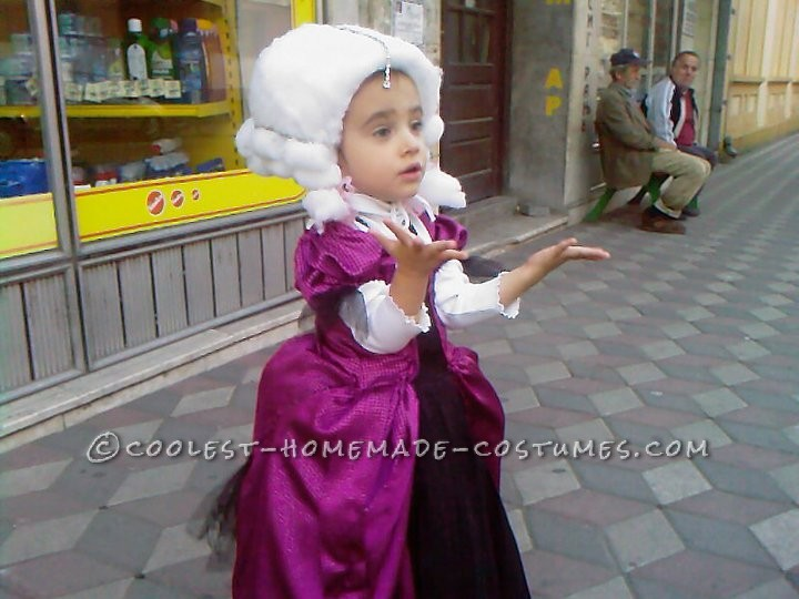 Adorable Homemade Marie Antoinette Costume for a Girl