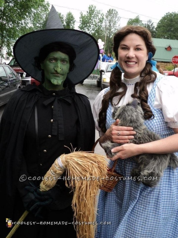 The West Witch and Dorothy.