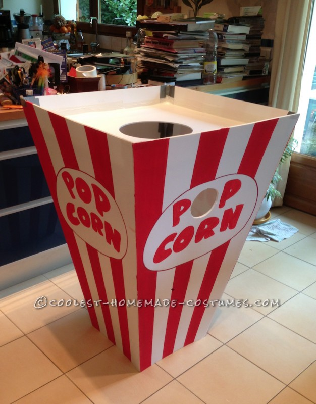 Pot of pop-corn.
