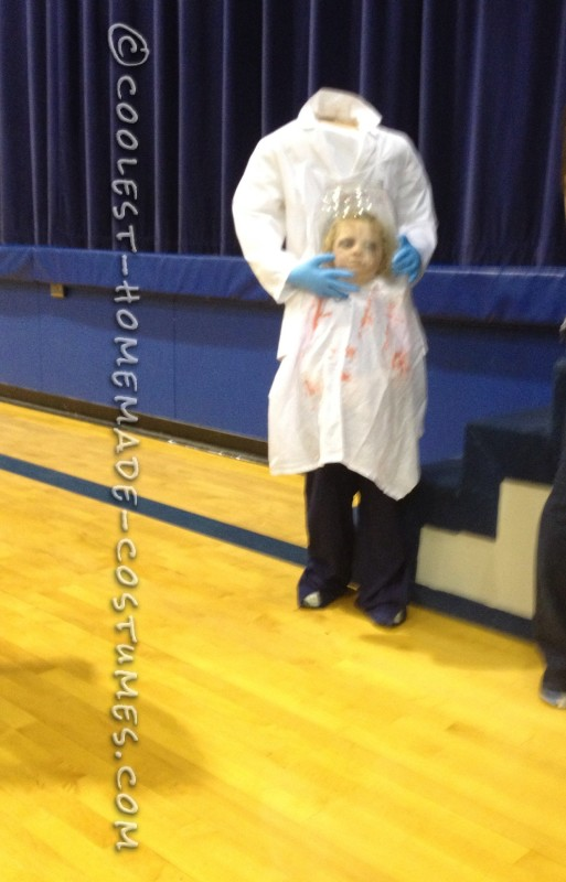 Decapitaded Scientist Illusion Costume for a Girl - 1