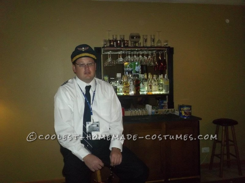 Easy Airline Pilot Costume - 1