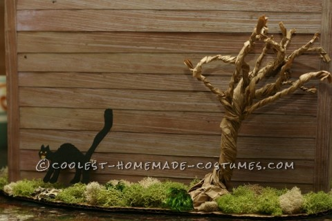 Cool Homemade Costume for Kids: Haunted House