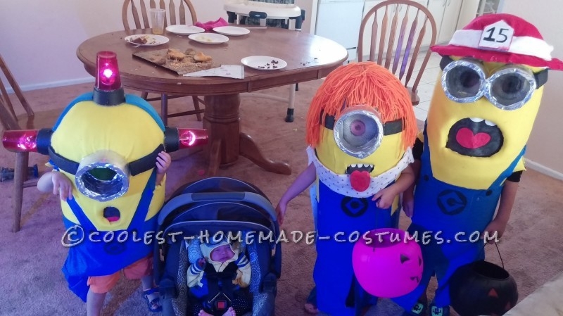 Cool Family Halloween Costume: Adorable Minions - 2