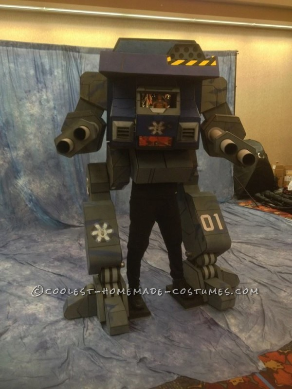 "Seven-Foot-Tall Mechwarrior ""Warhawk"" Costume"