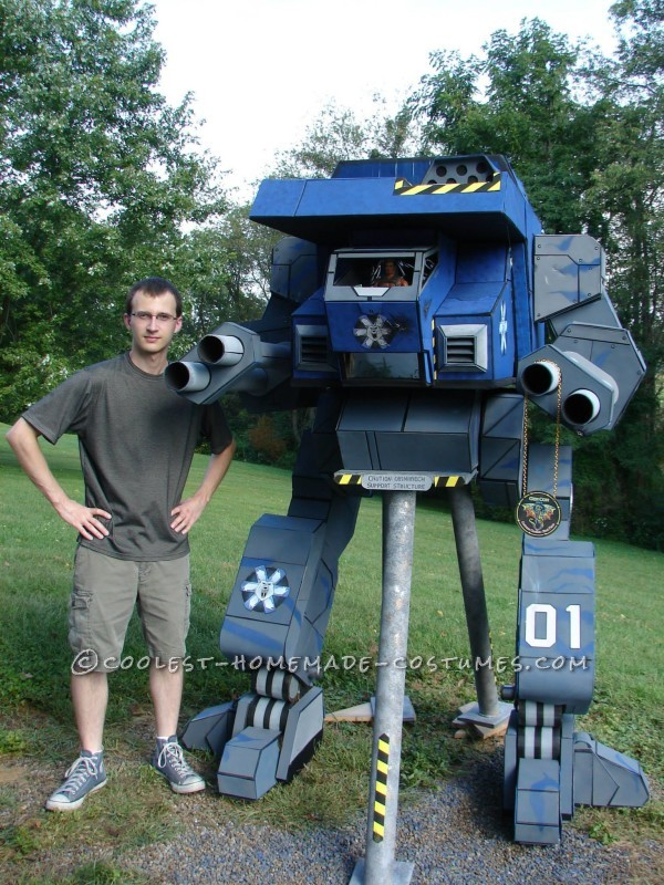 "Seven-Foot-Tall Mechwarrior ""Warhawk"" Costume - 1"
