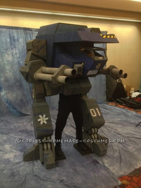 "Seven-Foot-Tall Mechwarrior ""Warhawk"" Costume - 2"